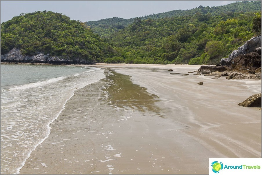 the-Laem-sala-beach-Laem-sala-beach-10