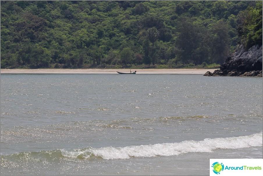 the-Laem-sala-beach-Laem-sala-beach-09