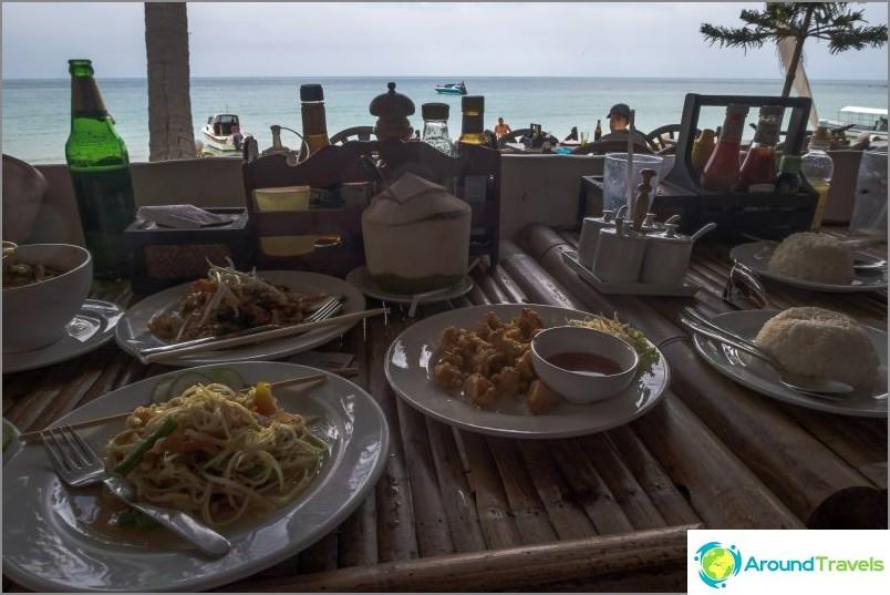 Море, тайландска храна и обядът ми на плажа