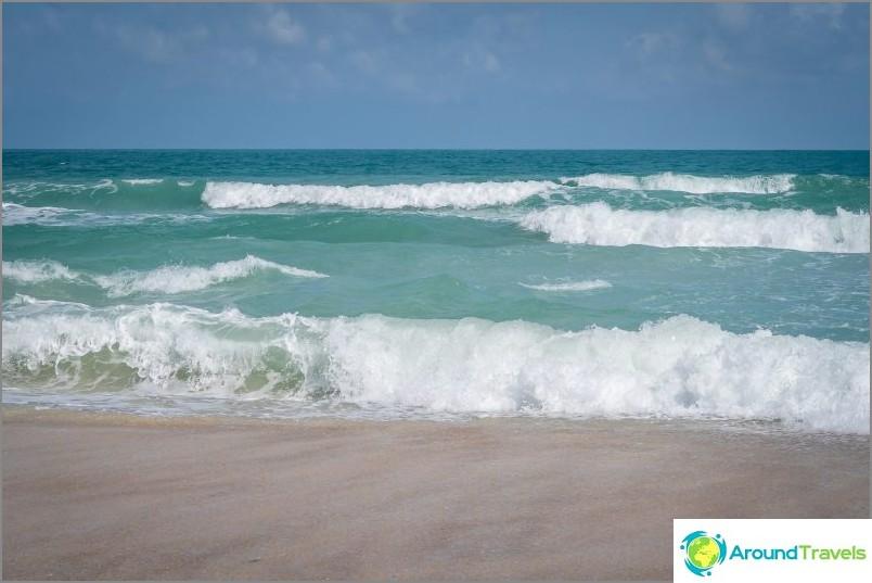 Ja joissain paikoissa se ei ole niin pieni - katso aaltoja