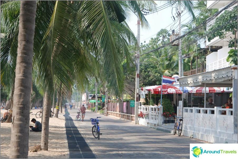Zona pedonale lungo la spiaggia