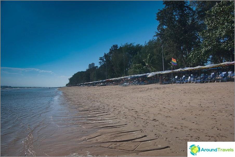 Vista verso la spiaggia di Pratumnak