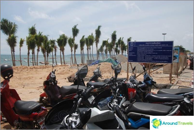 Dongtan Beach - una continuazione ordinata e calma di Jomtien