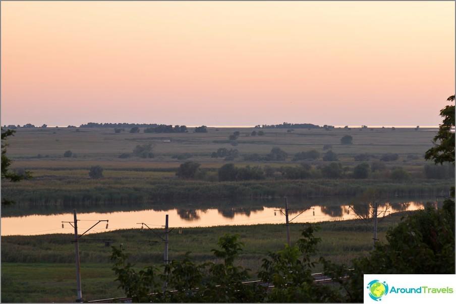 Kuollut Donets-joki ja Taganrogin lahti kaukana