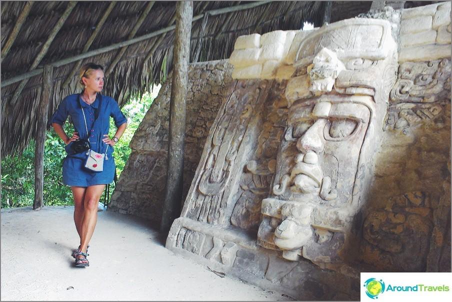 Muinaiset maya-rauniot Kohunlich, Meksiko