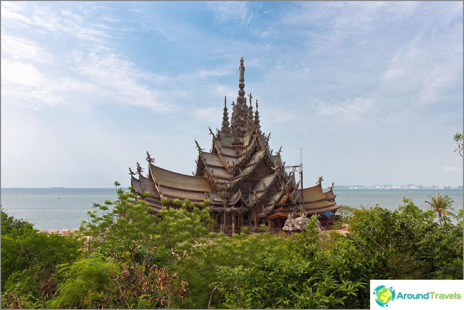 Totuuden temppeli Pattayassa