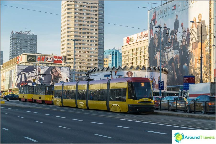 Raitiovaunut Varsovassa, siellä on vanhoja