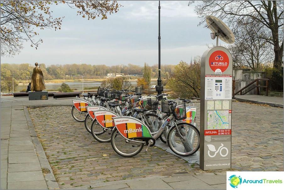 Точките за наемане на велосипеди са разпръснати из целия град