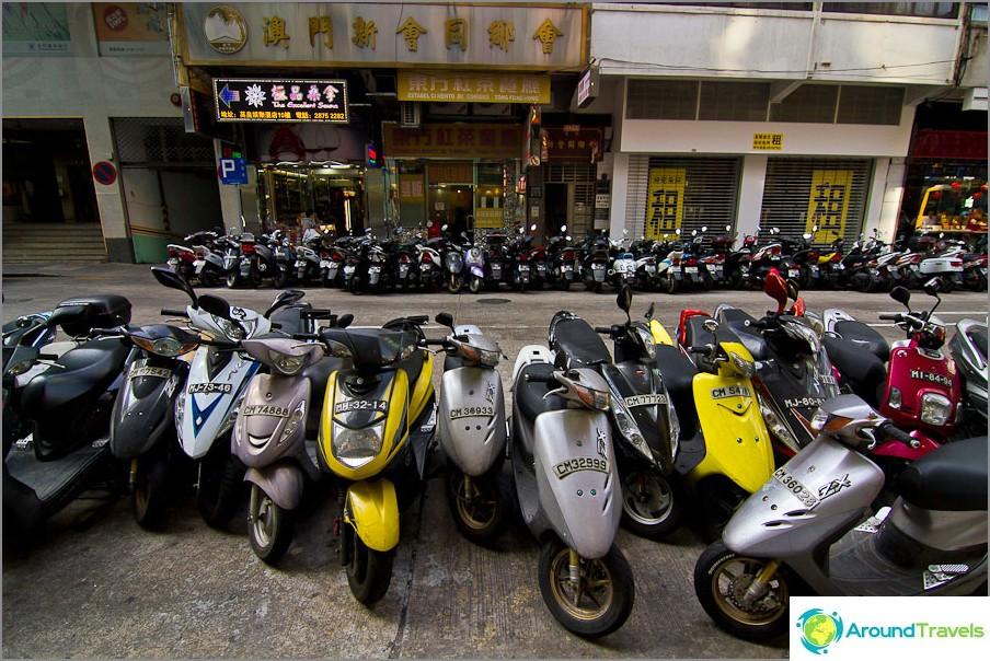 Polkupyöriä on täällä enemmän kuin Hong Kongissa