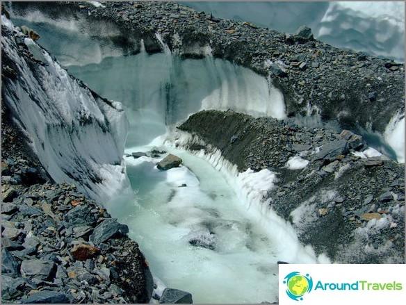 Altai-vuori. Jäätikkö Maash.