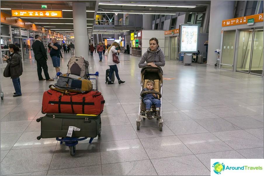 Lentokenttä Varsova ja roskat