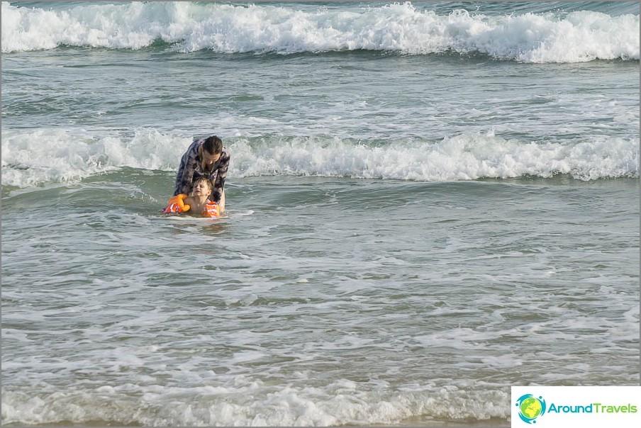 Lämpimän ilmaston lisäksi Hainanissa on meri