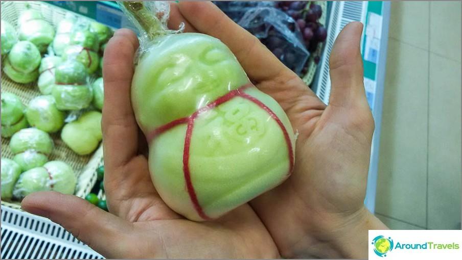 Buddhan muotoinen päärynä