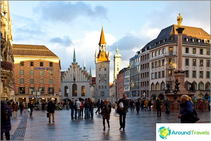 Münchenin aukio Marienplatz