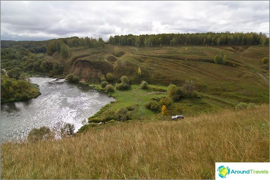 Näkymä Ishutinsky-asutuksesta piknik-alueelle