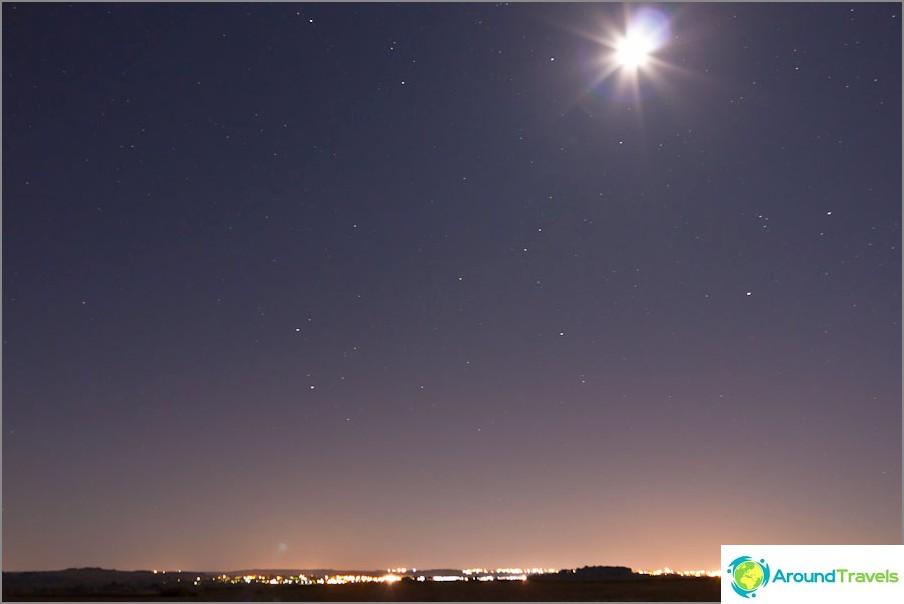 Ensimmäinen valokuvani tähtitaivasta, Ranska. ISO800, 18 mm, f5.0, 30 s