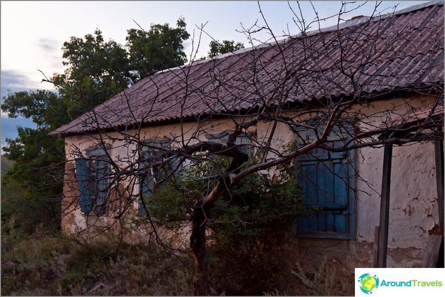 Изоставена къща в Дядин Ферма