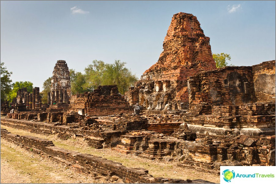 Wat Phra Phai Luang Wat Si Chumin vieressä