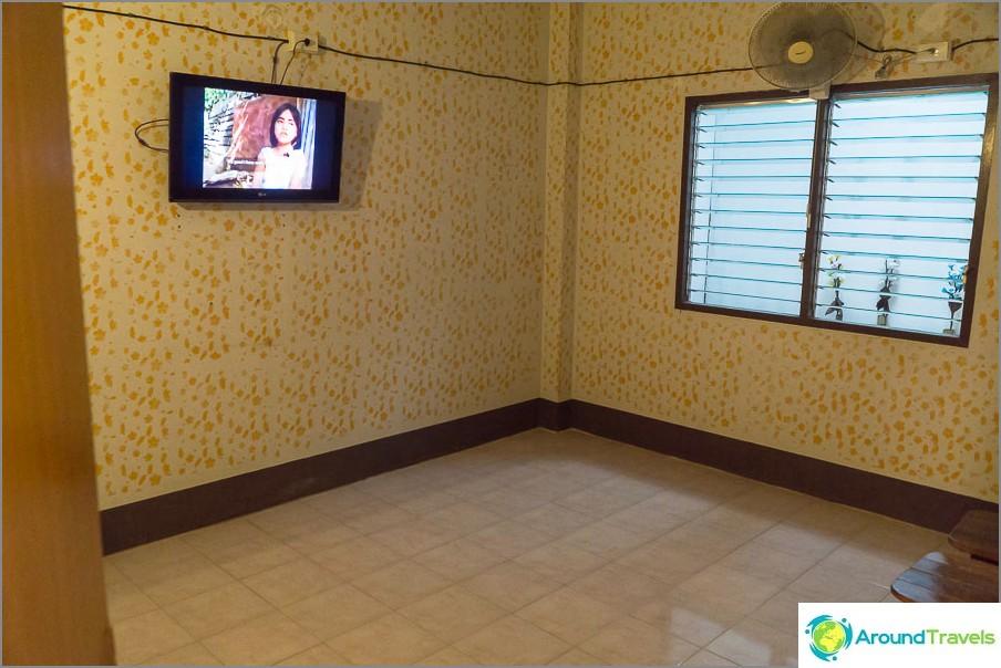 Горе стаи с телевизори