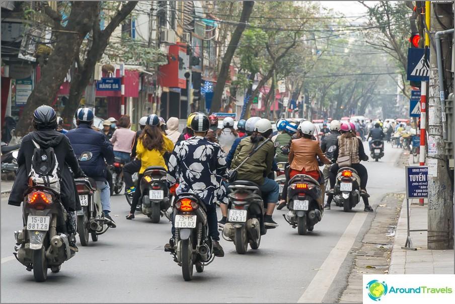 Valtava pyörävirta Hanoissa