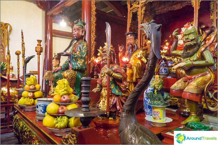 Kilpikonnan temppelin sisällä