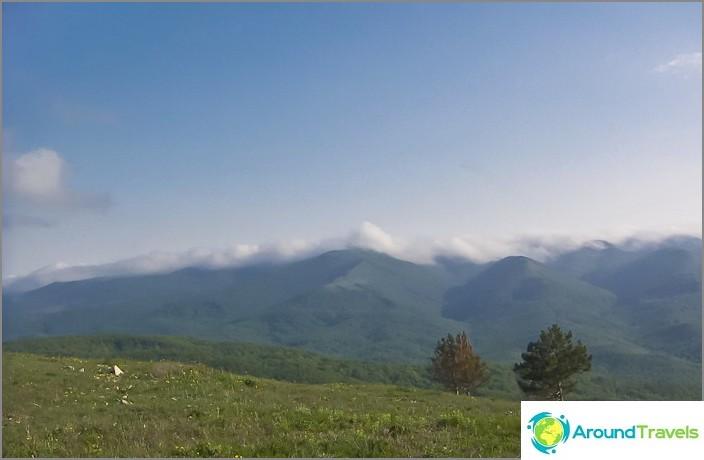 Näkymä Gelendzhikin vuorille Nexisin vuorelta.