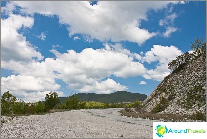 Военен път към билото на Кавказ.