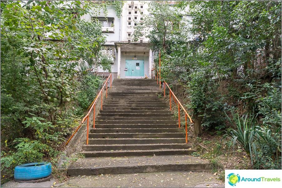 Квартал Макаренко (не в центъра) - и как да стигнем до тук дори с количка?