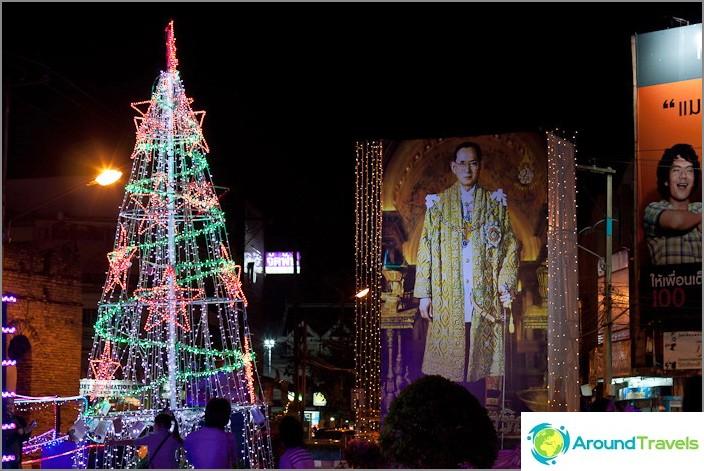 Mikä muuttuu joulukuusi illalla uudenvuoden Thaimaassa