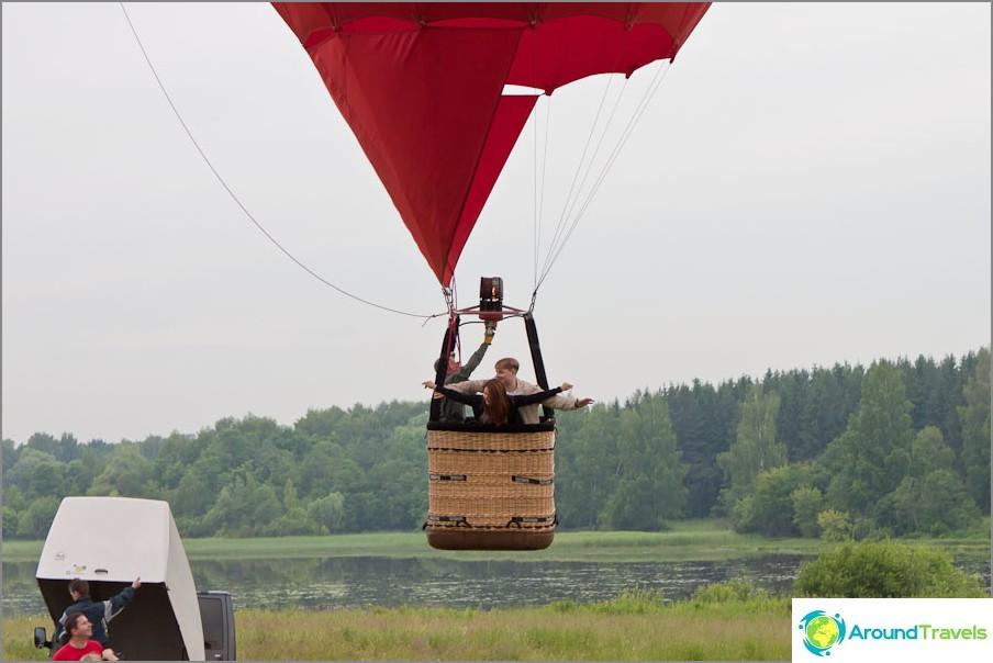 Vastaspuolisille erityinen ilmapallo sydämen muodossa