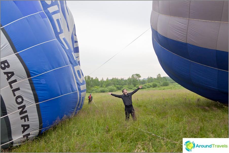 Kaikki kuvattiin ilmapallojen taustalla