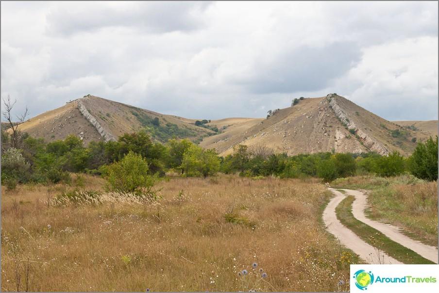 Mount kaksi sisarta
