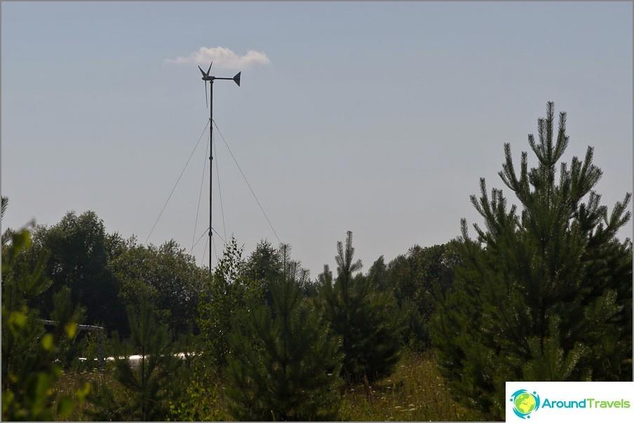 В момента в селището има само две вятърни мелници