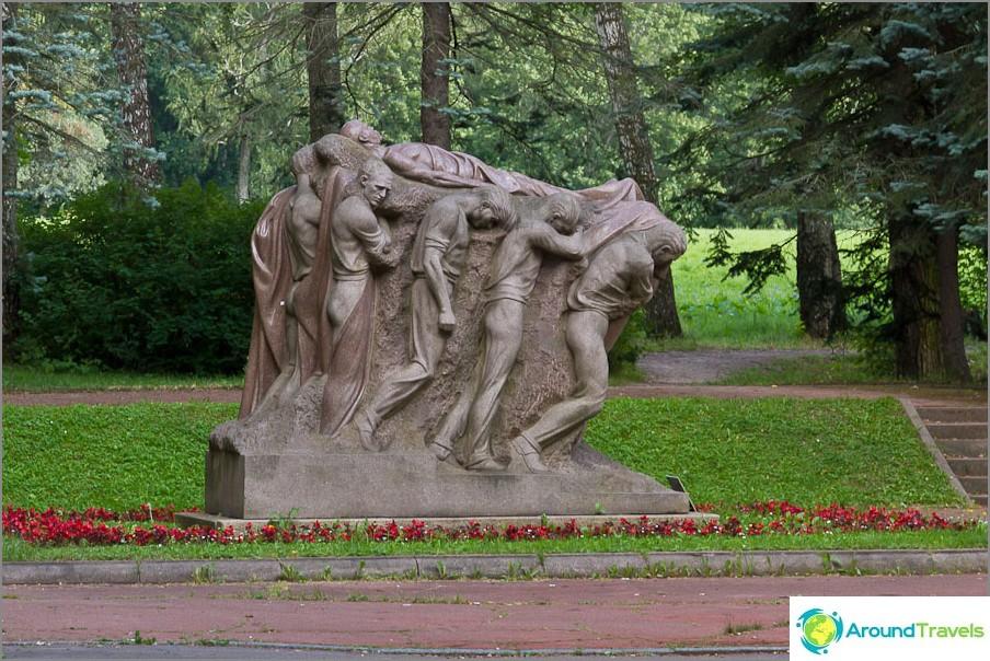 Eräänlainen monumentti Leninille