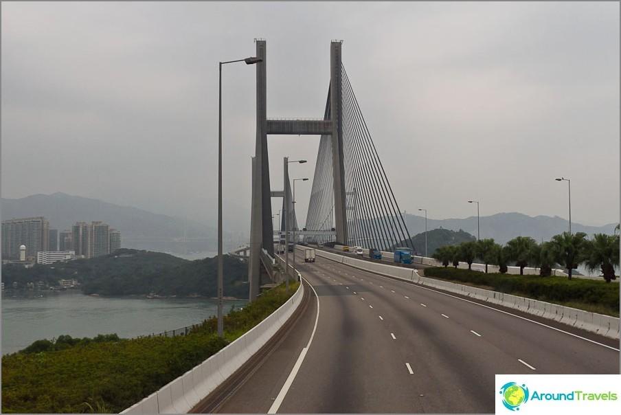 Tsing Ma -silta - yksi pisimmistä silloista maailmassa