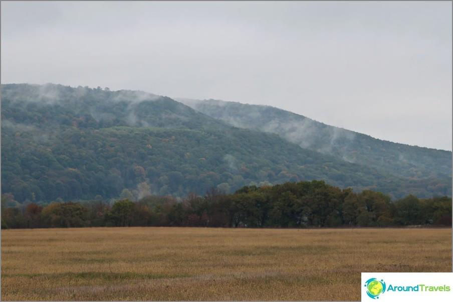 Adygean sisäänkäynnillä vuoria peitti sumu