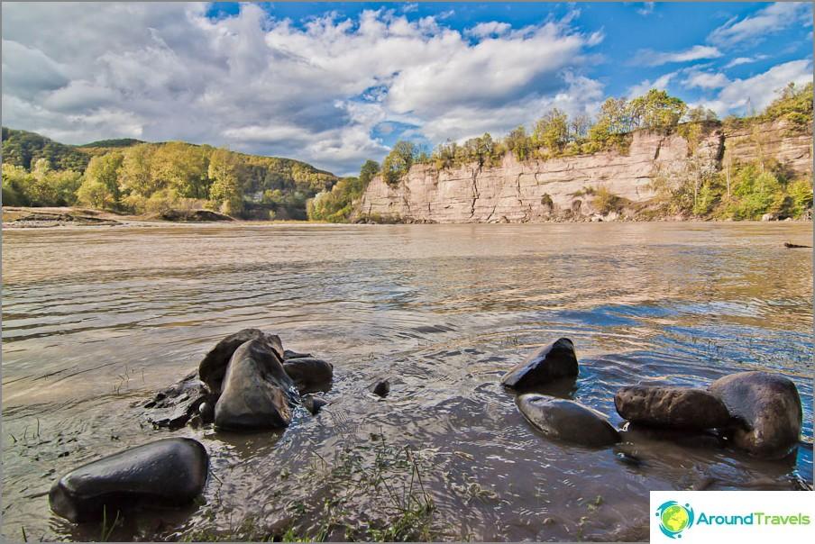 Belaya-joen mutka kuin järvi