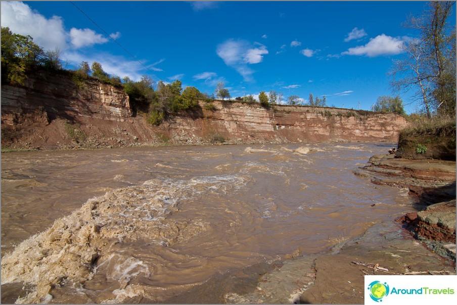 Belaya-joki ei tänään ole ollenkaan valkoinen