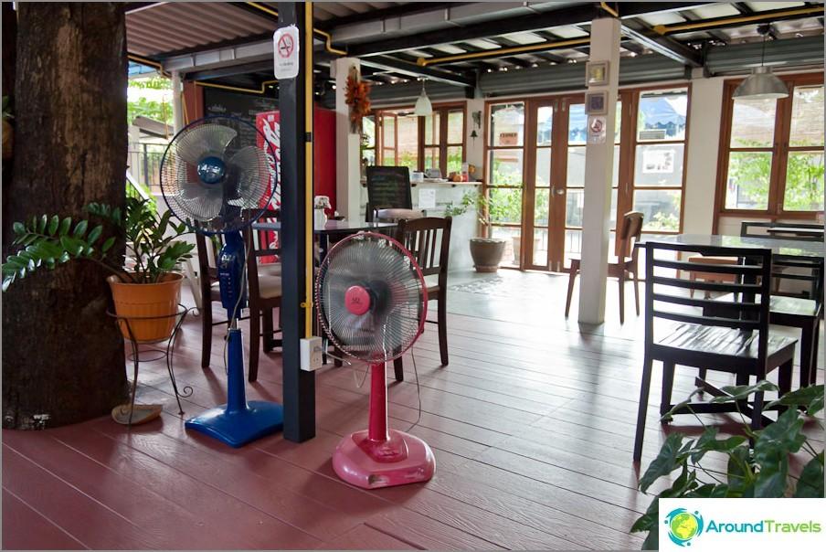 Siviili kahvila Chiang Maissa