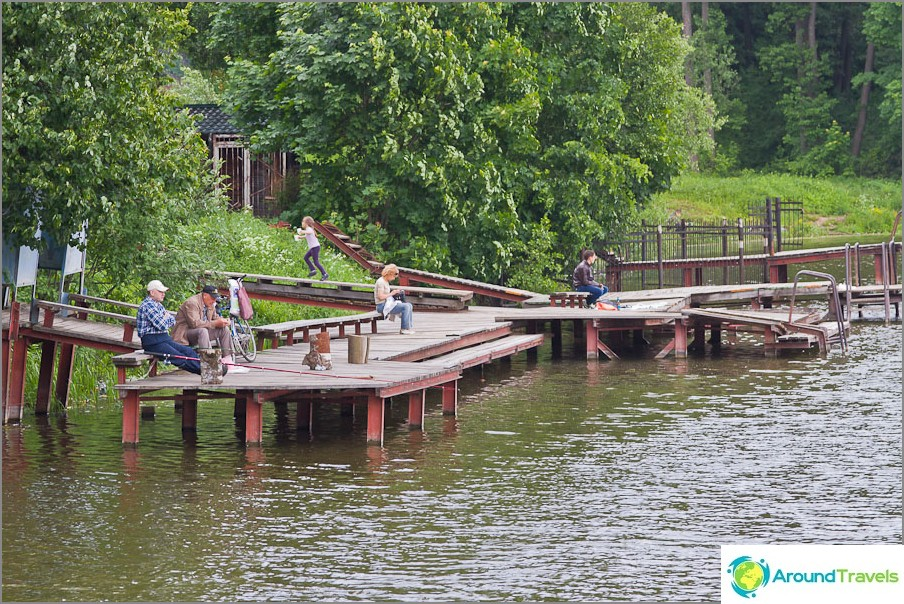 Pier laiturilla Sukhanovo