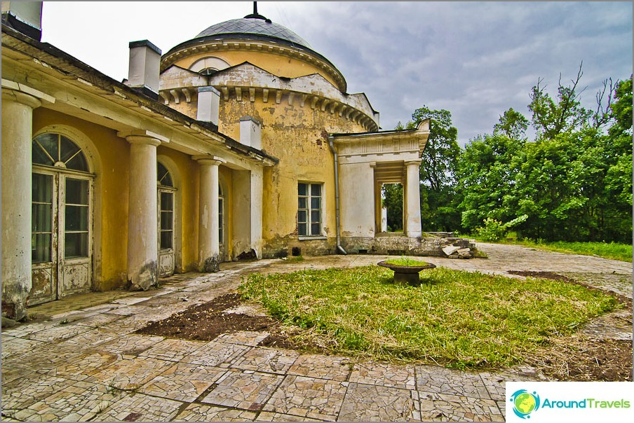 Entinen Volkonsky-mausoleumi