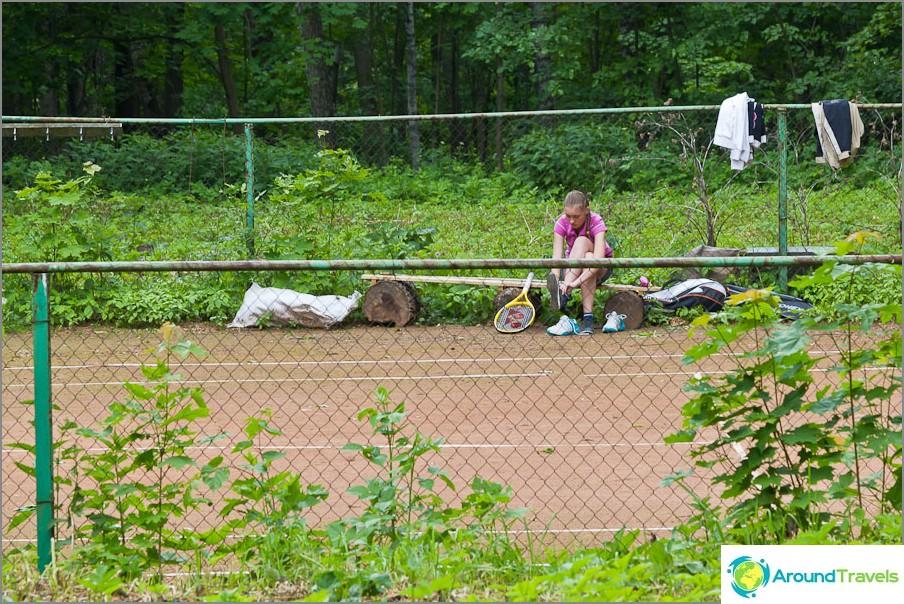 Arkkitehdit tulevat pelaamaan tennistä