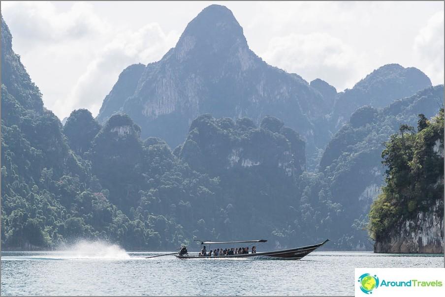 Veneellä Cheo Lan -järvellä