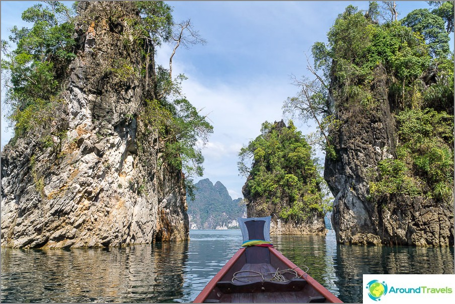 Erittäin kauniit kivet ympärillä, kuten elokuvassa Avatar