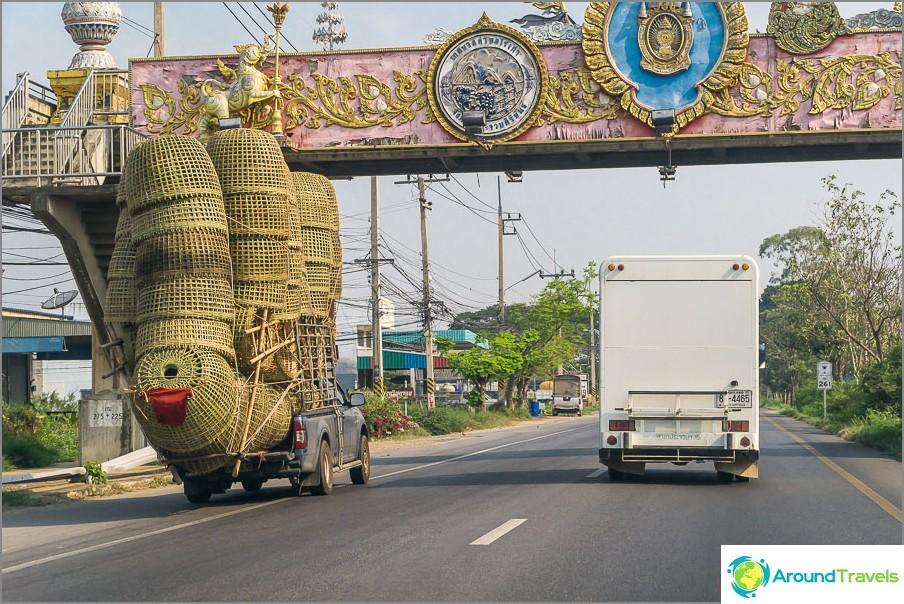 Luonnoksia Thaimaan teiltä