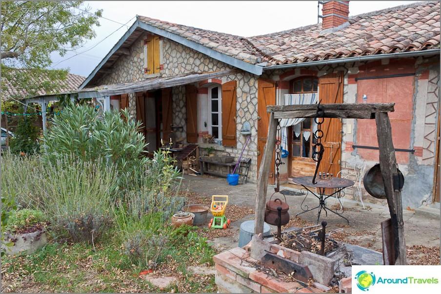 Къща на семейство, което обича всичко старо