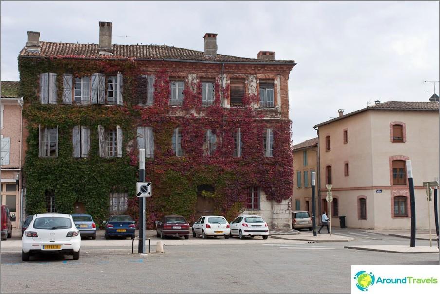 По улиците на Франция също има такива къщи
