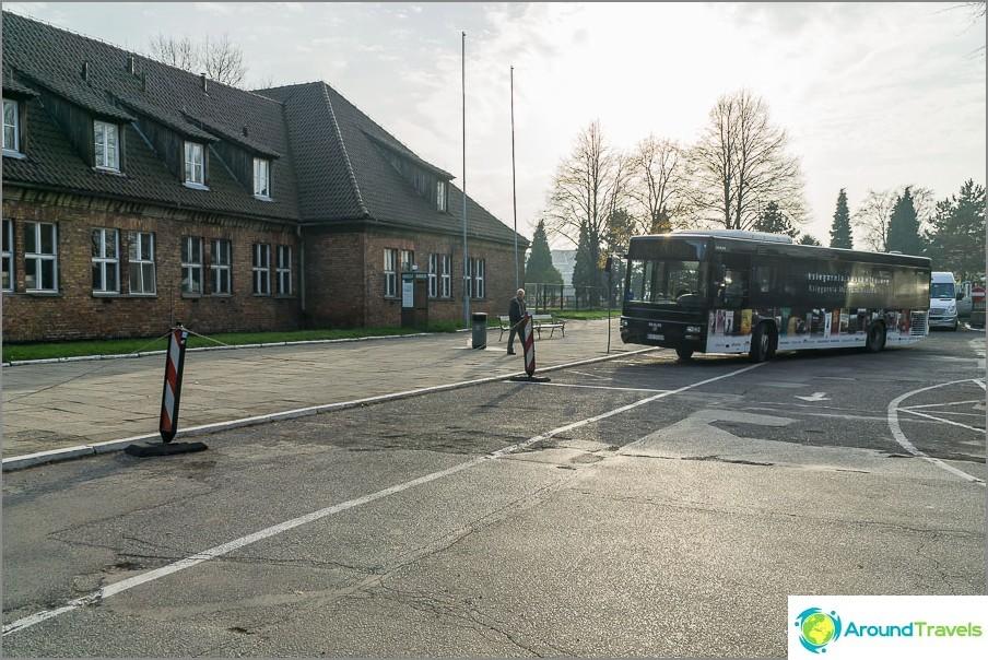 Shuttle basso välillä Auschwitz 1 ja Auschwitz 2