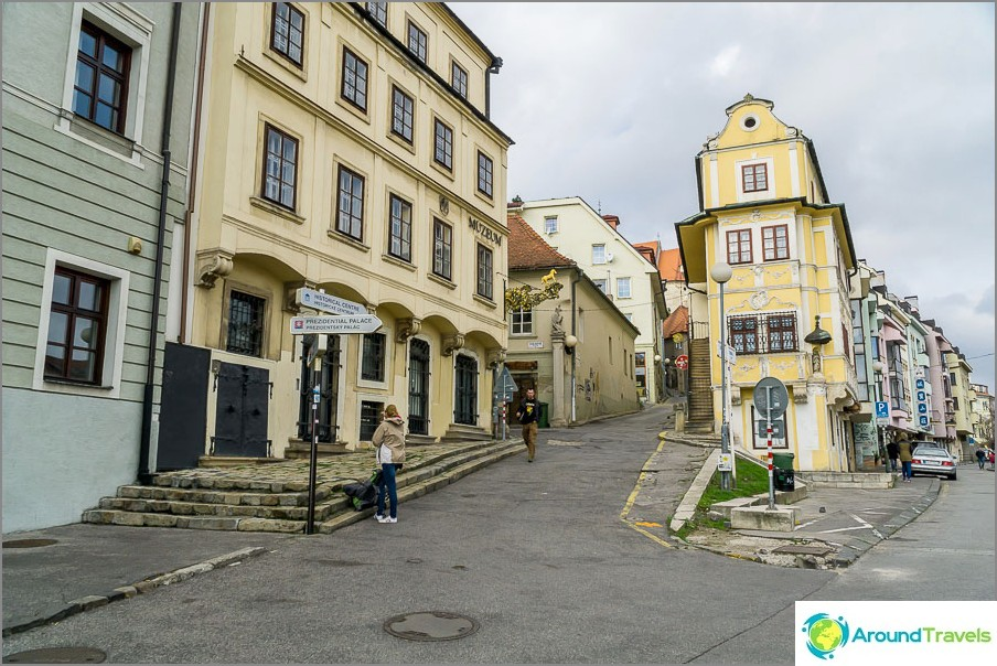 Nousemme Bratislavan tutkintoon
