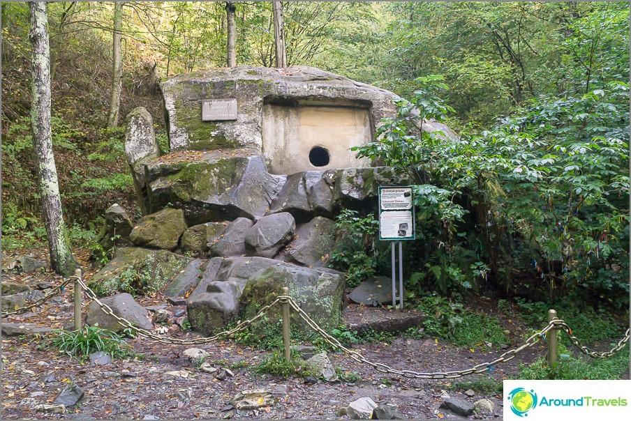 Volkonsky dolmen lähellä Lazarevskya